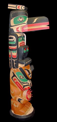 Raven, Bear, Sea Urchin totem pole by Calvin Hunt, Kwakwaka'wakw (Kwagiulth), Nuu-chah-nulth artist (CH2006-01)