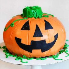 Halloween Pumpkin Cake {Surprise Inside Cake}