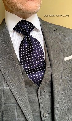 Tall Men, Tall Guys, Mens Fashion Suits, Men's Fashion, Tie Pattern, Tie Shorts, Power Dressing, Savile Row, Tie And Pocket Square