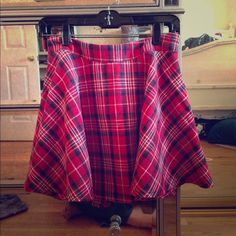Forever 21 plaid skirt Super school girl meets punk rocker. Can u say 90's!? Forever 21 Skirts