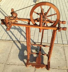 Spinnrad Antik Deko in Antiquitäten & Kunst, Alte Berufe, Spinner | eBay
