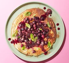 Make a batch of these pancakes for a delicious low-cal breakfast. With wholemeal flour to make them more filling, they're topped with an easy blueberry sauce Bbc Good Food Recipes, Vegetarian Recipes Easy, Healthy Dinner Recipes, Easy Recipes, Blueberry Compote, Blueberry Sauce, Healthy Recepies, Healthy Snacks, Cheap Clean Eating
