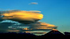 A lenticular cloud