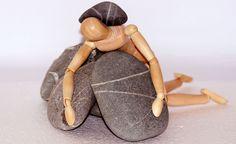 """Sobre as """"pedras"""" que carregamos conosco desde a infância e que nos impedem de sermos plenamente livres"""