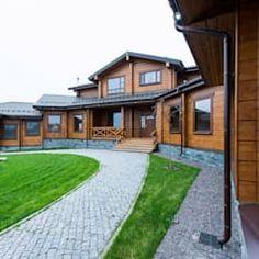 Casas de estilo clásico de good wood clásico | homify Home Fashion, House Plans, Mansions, House Styles, Wood, Exterior, Home Decor, Design Ideas, Cabin Style Homes