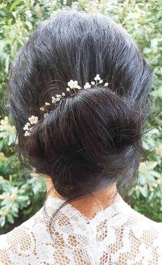Bridal Hair Vine #hairvine #bridal #bridehair #weddinghair  https://www.etsy.com/uk/listing/531672523/bridal-hair-vine-bridal-hair-jewelry