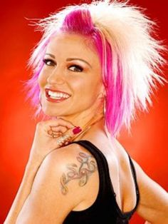 I remember being OBSESSED with this pic a few years ago! One of the reasons I went pink then....