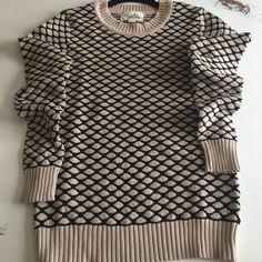 Forever21 black & tan honeycomb sweater Forever 21 black & tan honeycomb sweater Forever 21 Sweaters Crew & Scoop Necks