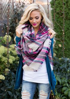 Online boutique. Best outfits. Perfect for Fall Oversized Blanket Scarf Pink