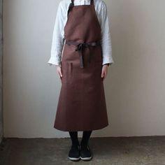 OXYMORON 雑貨 エプロンのページです。 | 東京二子玉川のリネンバード、リゼッタ、コホロ、ムーリット、鎌倉オクシモロンの公式オンラインショップ。リネン生地や編み糸、ファッション、作家ものの器を販売。暮らしまわりのアイテムをお届けします。