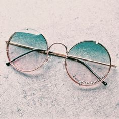 Cute Sunglasses, Round Sunglasses, Mirrored Sunglasses, Sunglasses Women, Cat Eye Sunglasses, Sunnies, Glasses Frames Trendy, Cool Glasses, Glasses Trends