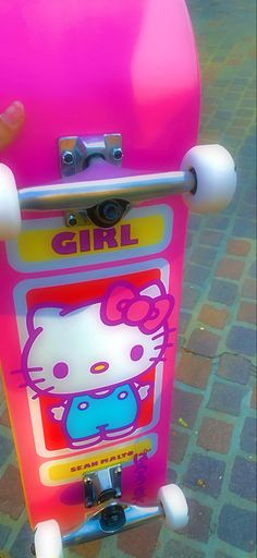 Skate 3, Skate Girl, Indie Outfits, Girl Outfits, Hello Kitty, Kitty Wallpaper, Indie Kids, Indie Fashion, Skateboards