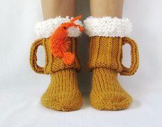 Socks for men. Knit socks Beer & shrimp socks mens socks beer glass socks Man sock Woman socks Knit Socks Handmade gift Wool Socks - Carmen Werner - Make-Up Knitting Socks, Hand Knitting, Knitting Patterns, Crochet Patterns, Knit Socks, Crochet Shoes, Crochet Slippers, Beer Socks, Diy For Men