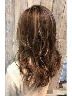 3Dハイライトカラー - 24時間いつでもWEB予約OK!ヘアスタイル10万点以上掲載!お気に入りの髪型、人気のヘアスタイルを探すならKirei Style[キレイスタイル]で。 Medium Hair Cuts, Long Hair Cuts, Medium Hair Styles, Short Hair Styles, Japanese Hair Color, Japanese Haircut, Hair Color 2017, Permed Hairstyles, Hair Highlights