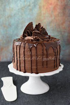 Dreifarbige Schokotorte Torte Recepti, Pink Parties, Yams, Mole, Food Videos, Tiramisu, Wedding Cakes, Food And Drink, Alcohol