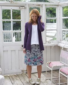 Inspired from the beauty and tranquillity of the Japanese Gardens near Bath, our Mono Hydrangea Print Skirt combines monochrome with bold embroidery the bottom. In true Hydrangea style, the embroidery includes vibrant colours in a unique design. Our A-line skirt would look great with one of our basic tees.