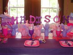 Table at a Princess Party #princess #partytable