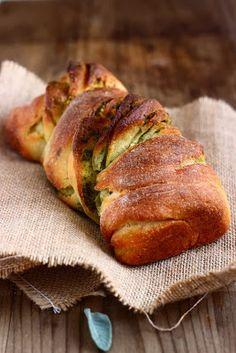 bread with butter + sage - M I E L & R I C O T T A (use google translate button/bar)