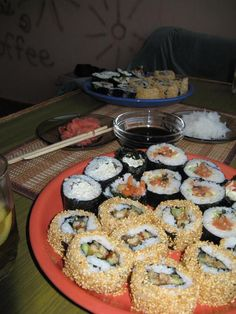 Home rolls - the most detailed instruction- Sushi. Cooking yourself - I Love Food, Good Food, Yummy Food, Tasty, Rauch Fotografie, Snap Food, Snacks Saludables, Food Snapchat, Food Obsession