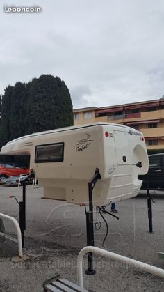 Demountable campers for sale - Page 601 - Demountable camper group Truck Campers For Sale, Slide In Truck Campers, Small Camper Trailers, Used Campers, Pickup Camper, Tiny Camper, Camper Life, Small Truck Camper, Truck Bed Camping
