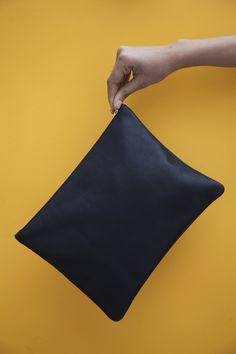 Maxi Clutch: Black Leather