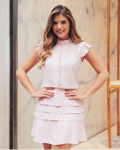 """247 curtidas, 9 comentários - Sibelle Modas (@sibellemodas) no Instagram: """"Linda @arianecanovas com o look que acabamos de postar em nosso site Blusa crepe babado✔️…"""""""