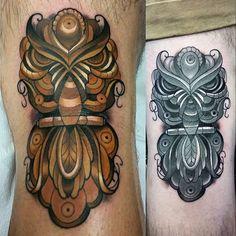 Knee ditch owl - hinge number 2 complete on John. These two guys are super tough! Thanks for trusting me with these!! @modernmoosestudios @modernmoosestudios.com @modernmoosestudios@gmail.com @eternalink @saniderm @fkirons @redemptiontattoocare @stencilstuff @dankubin @keithbmachineworks #tattoo #art #fineart #tattooartists #tampa #florida #boldwillhold #owl #owltattoo #vintage #contemporaryart #kneetattoo #animal @tattoo_worldwide_online @tattooinkfr #myworldofink @tatsandinkers…