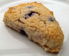 Protein scones with vanilla and blueberries