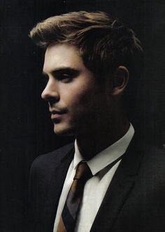 Zac Efron Pictures, Look Chic, Beautiful Boys, Pretty Face, Cute Boys, Actors & Actresses, Sexy Men, Hot Guys, Celebs