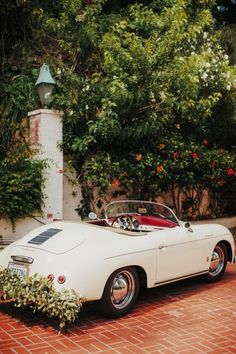 Vintage convertible: http://www.stylemepretty.com/little-black-book-blog/2014/11/05/vintage-chic-bel-air-estate-wedding/ | Photography: Tyler Branch - http://tylerbranchphoto.com/