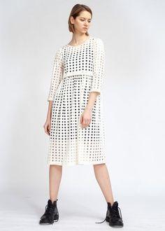 Платье с кулиской с прорезями-горошек