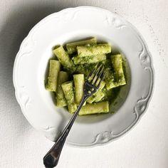 Pesto, Fusilli, Mozzarella, Guacamole, Asparagus, Risotto, Vegetables, Tableware, Ethnic Recipes