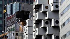 Uno de los edificios más representativos de Tokio, la Nakagin Capsule Tower, ha quedado deshabitado. Pese a constituir un hito arquitectónico de la década de 1970, puede acabar siendo demolido.</p> <p>La torre de cápsulas Nakagin, conocida mundialmente por su nombre en inglés (Nakagin Capsule Tower) y construida en 1972, es un ejemplo único del movimiento arquitectónico del metaboli...