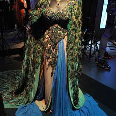 Hedy Lamarr peacock gown -Costumes at the V Hollywood Costume exhibit, same this dress was in a black and white film Movie Costumes, Dance Costumes, Cosplay Costumes, Adult Costumes, Helen Rose, Beautiful Costumes, Beautiful Dresses, Costumes Couture, Hollywood Costume