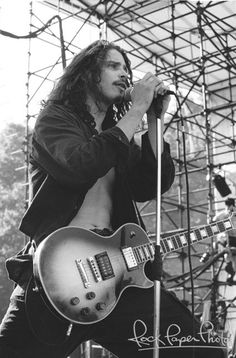 Chris Cornell by Lisa Lake www.RockPaperPhoto.com