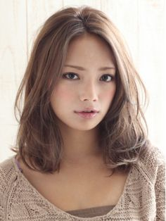 this hair it so pretty. color, style, length.