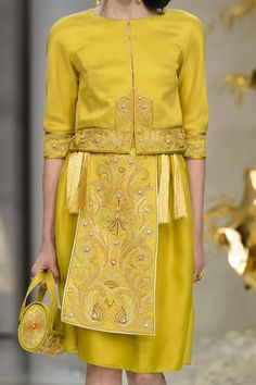 View all the detailed photos of the Guo Pei haute couture spring 2016 showing at…