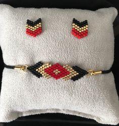 Jewelry set bracelet and Earring posts Chevron chic miyuki glass beads woven by hand - Jewelry set Handmade Wire Jewelry, Hand Jewelry, Seed Bead Jewelry, Bead Jewellery, Handmade Bracelets, Earrings Handmade, Glass Jewelry, Loom Bracelet Patterns, Bead Loom Bracelets