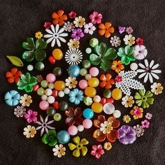 vintage flower power! Great idea for old jewelry.