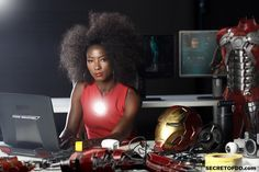 who is riri williams - Bing images Marvel Comics, Marvel Comic Universe, Comics Universe, Marvel Vs, Marvel Women, Marvel Cosplay, Black Characters, Comic Book Characters, Iron Heart Marvel