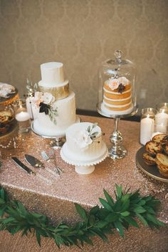 56 Amazing Cake Displays To Accentuate Your Sweets   HappyWedd.com