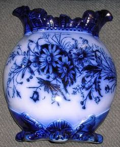 Glass Art blue & white vase