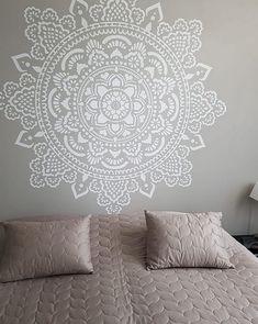 34 Trendy Ideas For Wall Stencil Mandala Patterns Stencil Wall Art, Wall Art Wallpaper, Diy Wall Art, Diy Art, Stencils Mandala, Mandala Mural, Mandala On Wall, Stenciled Floor, Bedroom Murals