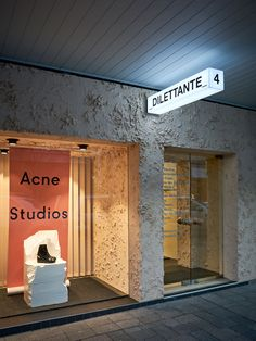 Designed by Ohlo Studio, the brief for Dilettante Perth flagship called for a unique physical experience - considered, minimal, textural, and experimental.