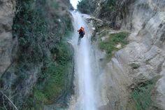 Schöne Abseilstrecke beim Canyoning am Gardasee - Tour mit Freelife Outdoorsport Waterfall, Outdoor, Abseiling, Lake Garda, Tours, Landscape, Nature, Nice Asses, Outdoors