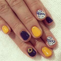 120 trending early spring nails art designs and colors 2019 page 18 – Shine with Saira - Nails Desing Spring Nail Art, Spring Nails, Summer Nails, Shellac Nails, Toe Nails, Nail Polish, Navy Nails, White Nails, Instagram Nails