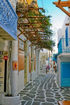 travis-caulfield:  Street in Santorini - Greek Isles