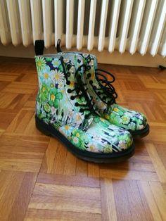 Je viens de mettre en vente cet article  : Bottines & low boots plates  100,00 € http://www.videdressing.com/bottines-low-boots-plates/doc-martens/p-5566208.html?utm_source=pinterest&utm_medium=pinterest_share&utm_campaign=FR_Femme_Chaussures_Bottines+%26+low+boots_5566208_pinterest_share