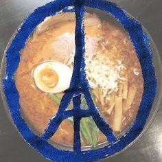 #prayforparis #parisjetaime by japan_ramen_mag