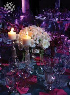 #Bariolés #table #mesa #mantel #copas #flores #tablesetting #DecoracionBodas #WeddingIdeas #WeddingTrends #manteleria #servilletas #rosa #mexicandecor #eventdecor #rosas #blanco #cristalería http://www.barioles.com/